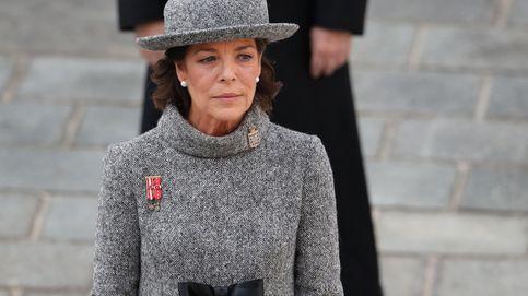 Carolina de Mónaco recupera el abrigo pastel que más nos gusta (y que puedes copiar)