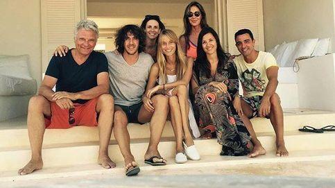 Puyol y Xavi Hernández comparten relax en Ibiza junto a un Tricicle