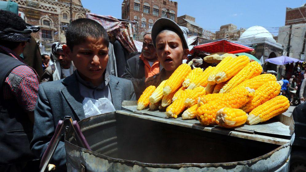 Foto: Más de 5 millones de niños viven amenazados por el hambre en Yemen según Save the Children. (Efe)