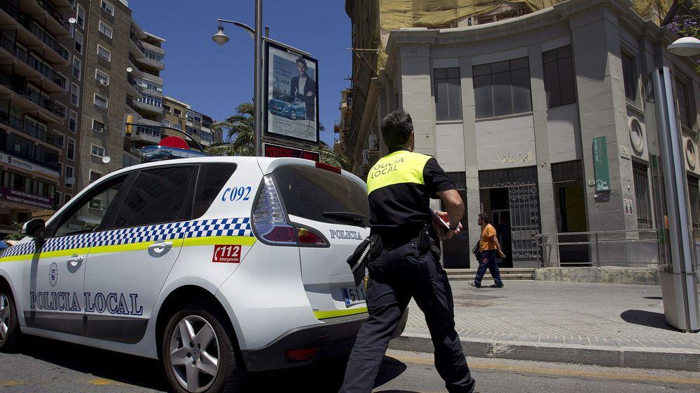 Foto: Una foto de archivo de un policía local. (EFE)