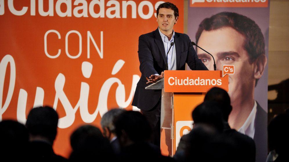 Foto: Albert Rivera, durante su intervención en un mitin en Toledo, este 10 de diciembre. (EFE)