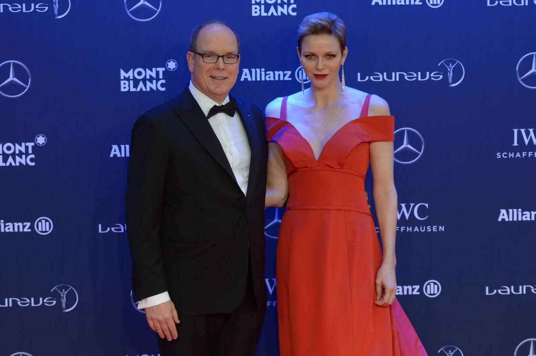 Foto: Alberto de Mónaco y Charlène en los Laureus 2017 (Gtres)