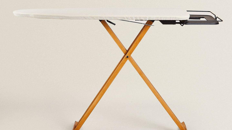 Mesa de planchar de Zara Home. (Cortesía)