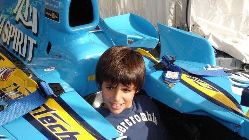 Foto: Carlos Sainz en 2006, dentro del monoplaza de Fernando Alonso. (Foto: Twitter @CarlosSainz55)