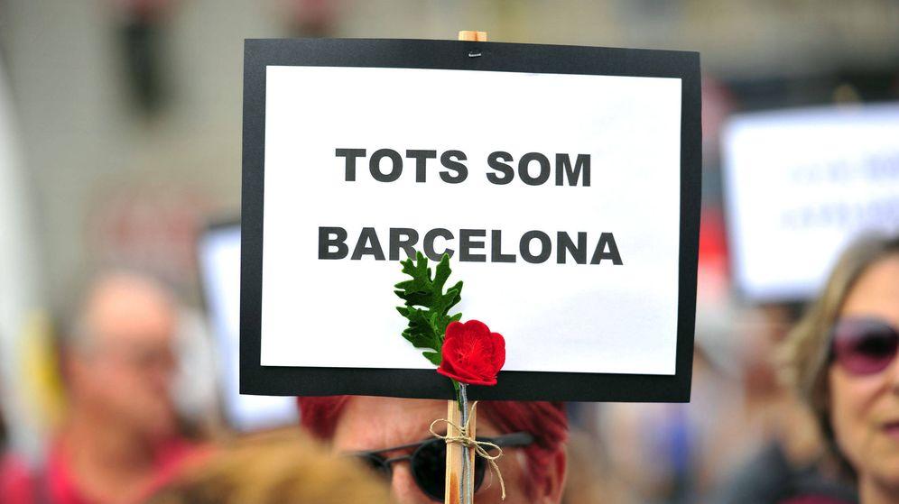 Foto: Mensaje de apoyo tras los atentados en Barcelona. (EFE)