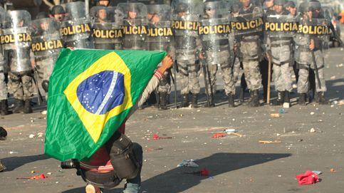 Cocteles molotov contra los ministerios en Brasil
