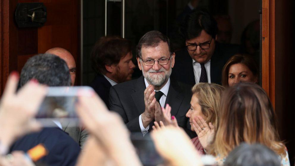 Los diputados del PP despiden a Rajoy entre lágrimas y con gritos de presidente
