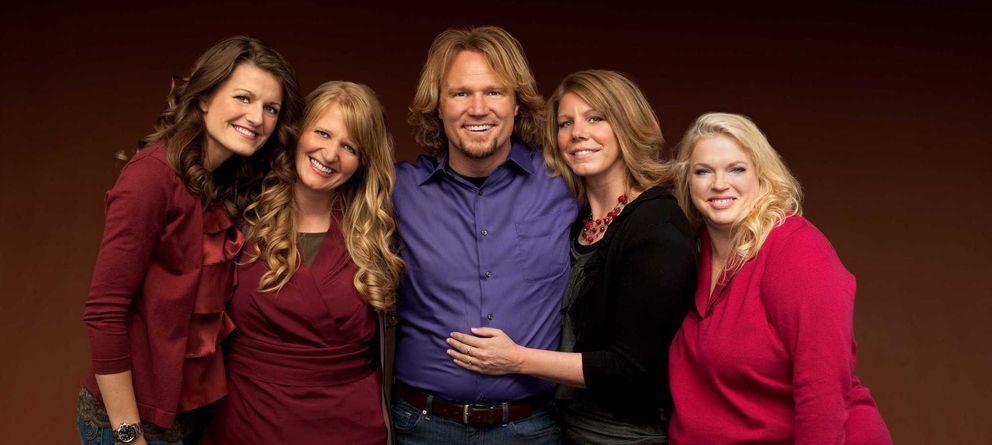 Foto: Kody Brown junto a sus cuatro mujeres, protagonistas del 'reality' Sister Wives. (TLC)