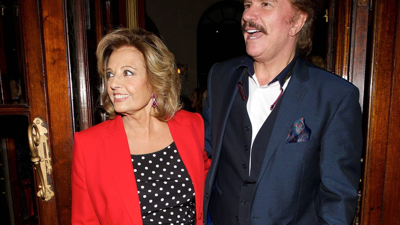 María Teresa con su pareja, Edmundo Arrocet, en un estreno. (Getty)