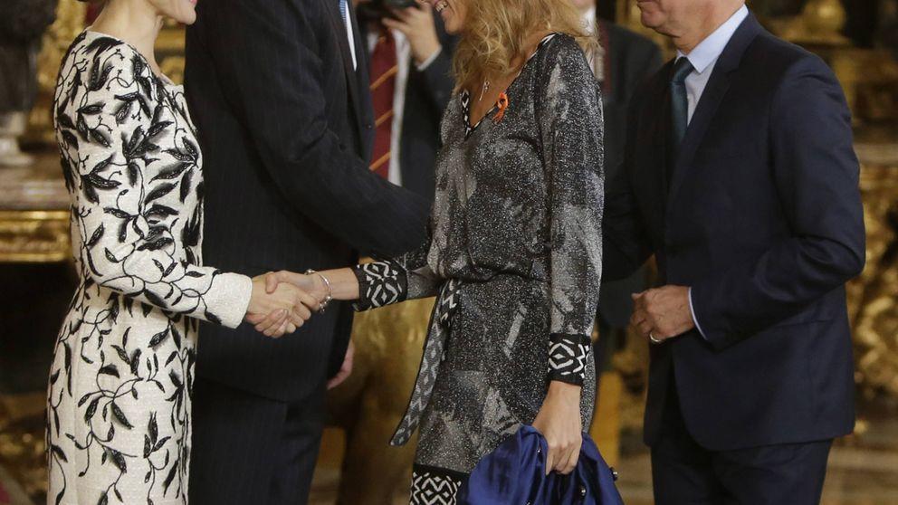 La Reina Letizia aplaude las causas solidarias de Sandra Ibarra