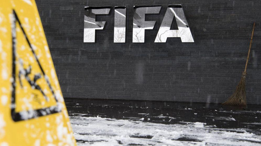 Foto: Logotipo de la FIFA en su sede en Zúrich (Suiza). (EFE)