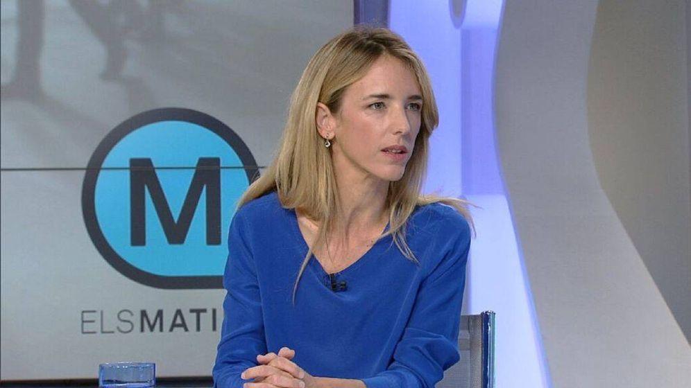 Foto: Cayetana Álvarez de Toledo, en el plató de 'Els matins'. (TV3).