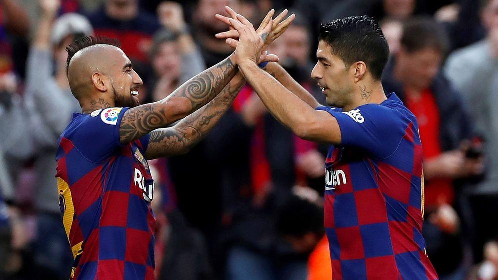 Foto: Suárez y Vidal celebran un gol de la pasada temporada. (EFE)