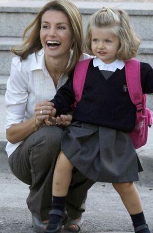 Foto: Doña Letizia supervisó el colegio de Leonor