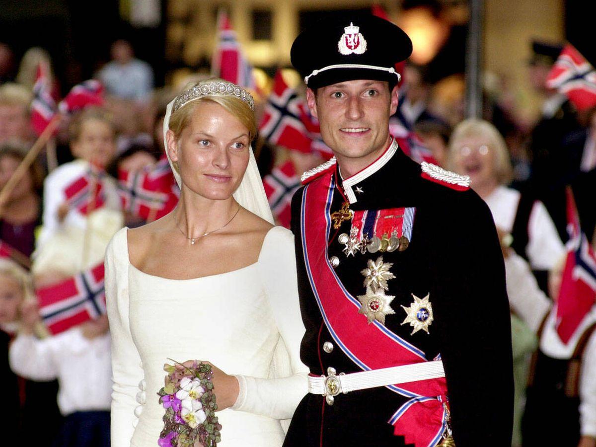 Foto: Mette-Marit y Haakon de Noruega, el día de su boda. (Getty)