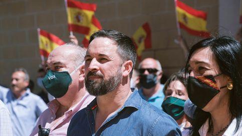 Los lazos que unen a Vox con Puigdemont