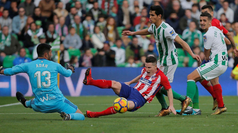 Adán, contra el Atlético. (EFE)