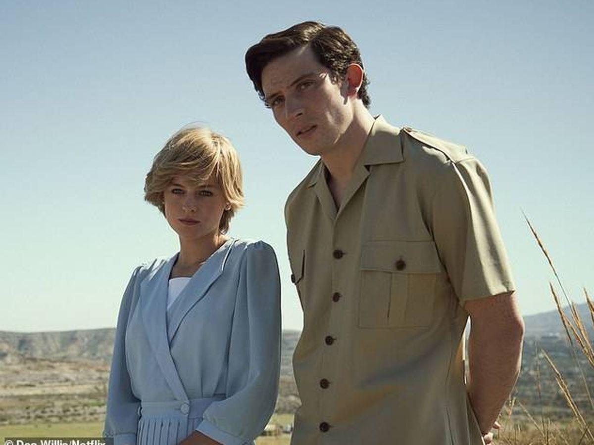 Foto: El príncipe Carlos y Lady Di, en 'The Crown'. (Netflix)