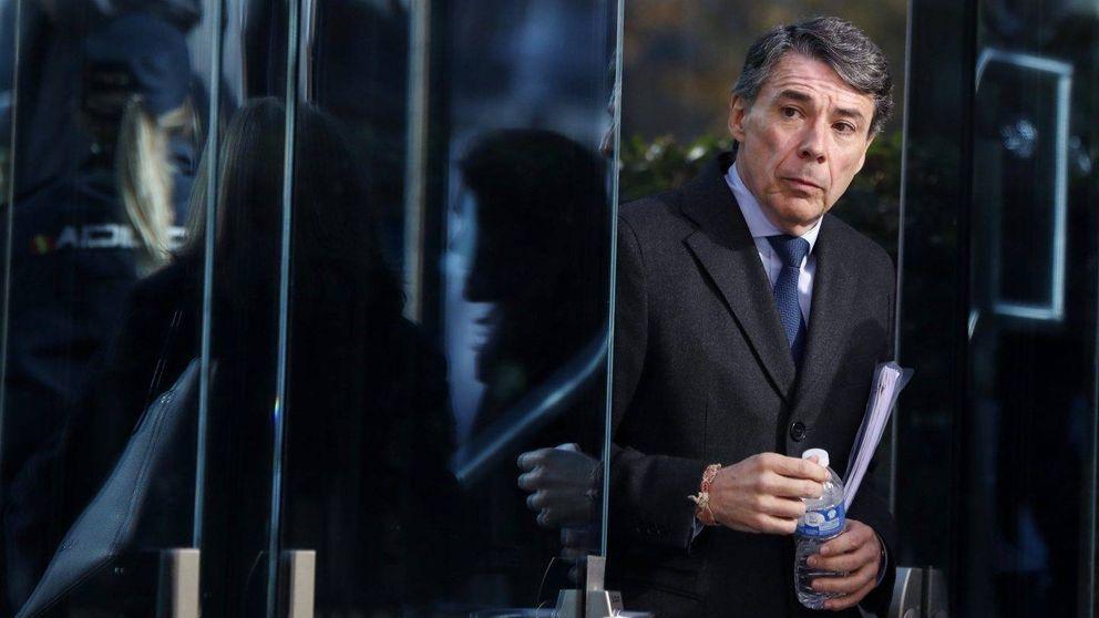 El susto de Ignacio González en su nuevo puesto: un fotógrafo se coló para pillarle