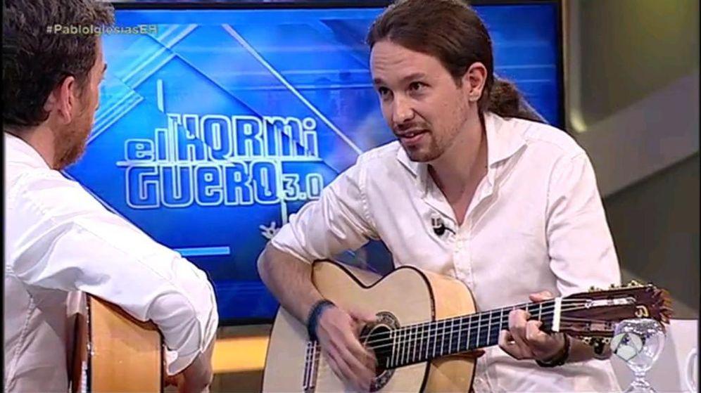 Foto: Pablo Iglesias interpretó en directo una canción de Javier Krahe. (Twitter Podemos)