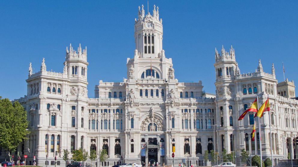 Los 16 grandes ayuntamientos se dejarán en 2017 un 40% de su superávit, según AIReF