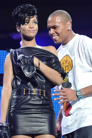 Rihanna hace las paces con Chris Brown