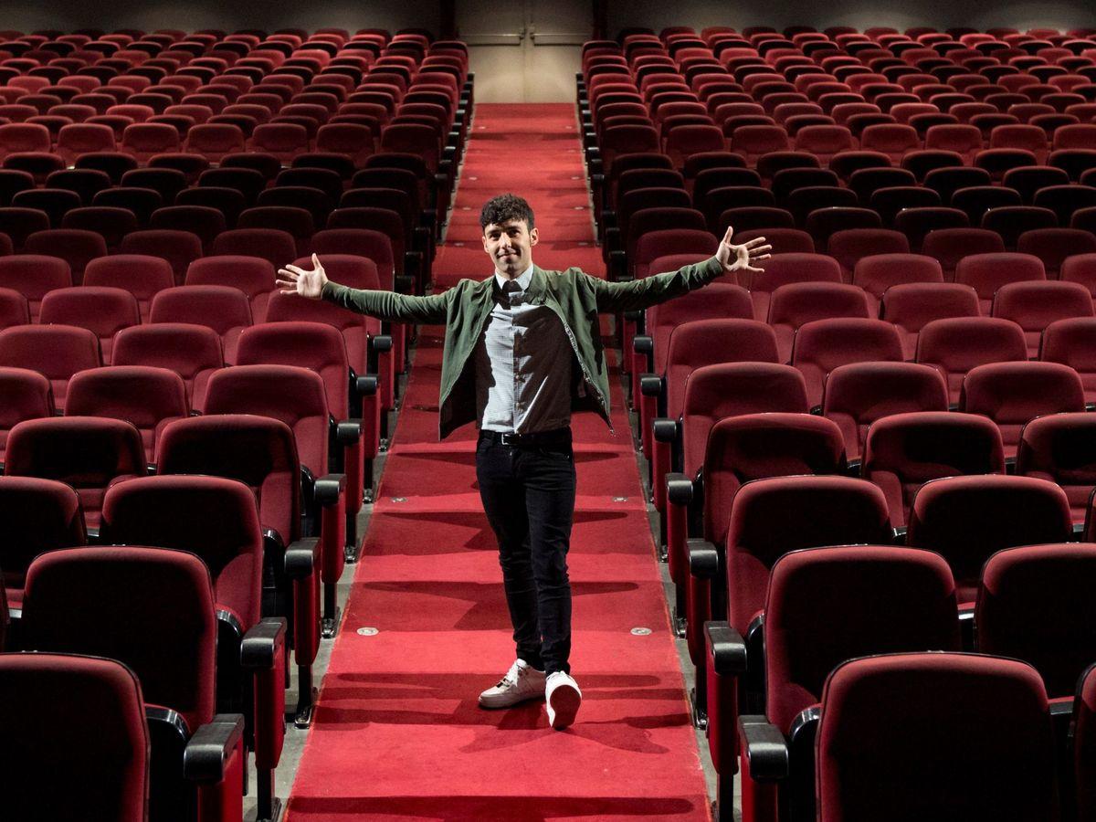 Foto: Mago Pop en el teatro Victoria, de su propiedad. (EFE)