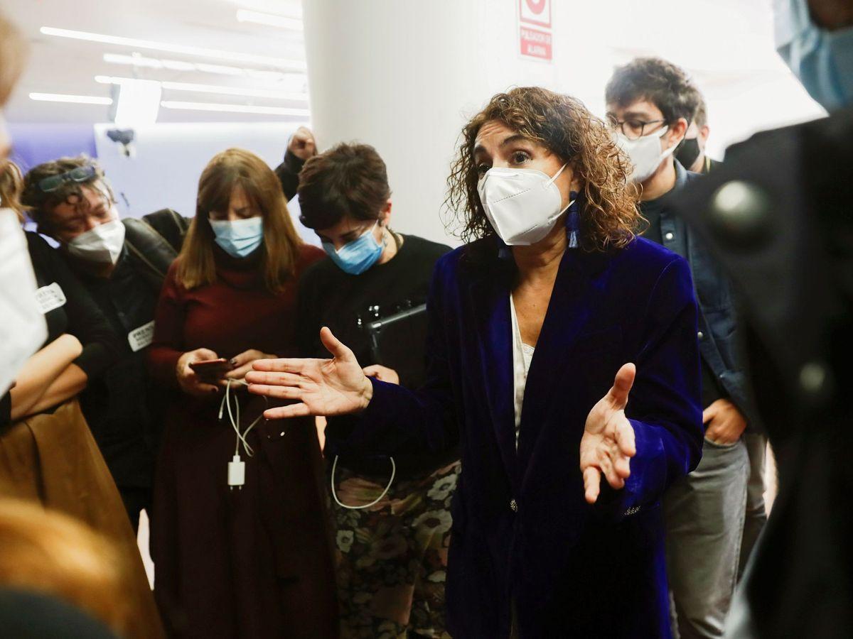 Foto: La ministra de Hacienda, María Jesús Montero, este jueves en el Congreso. (EFE)