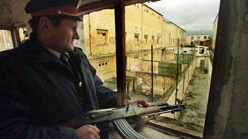 De otras memorias históricas (I): Albania quiere sacar a sus muertos de las cunetas