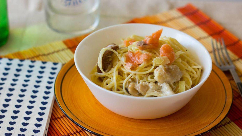 Espaguetis con setas y salmón, otra receta de pasta rica, sana y sabrosa. (Unsplash)