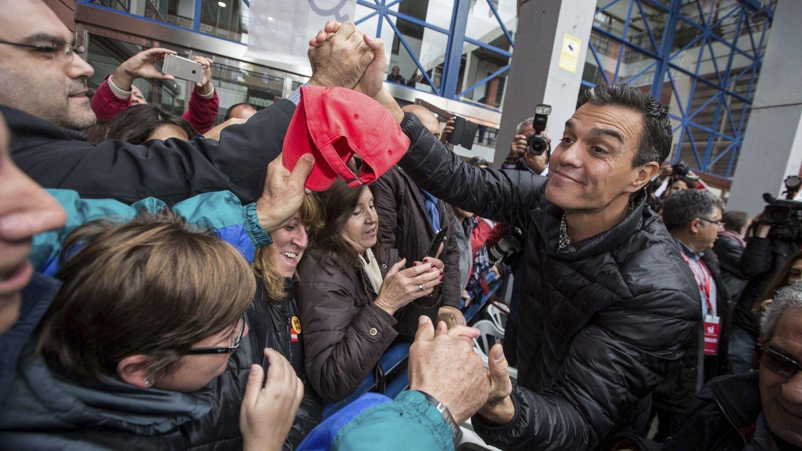 Foto: Pedro Sánchez, durante su visita a Xirivella, en Valencia, el pasado 26 de noviembre. (EFE)