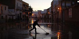 Los españoles se tomarán las uvas con más frío y fuertes lluvias en Andalucía