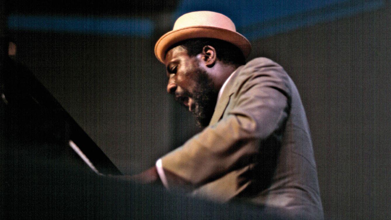 Foto: Thelonious Monk en uno de sus múltiples recitales de piano.