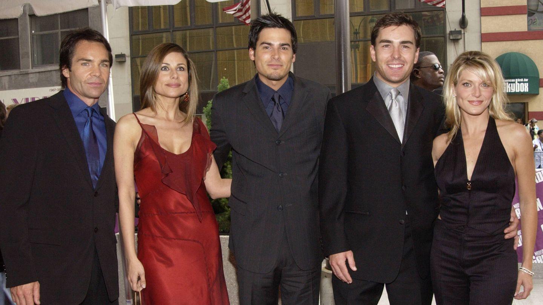 Jay Pickett (izquierda) junto al reparto de 'Port Charles' en los Emmy. (Getty)