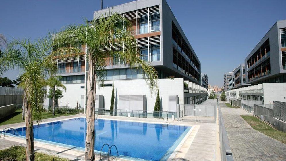 Foto: Una de las viviendas de Ciudad Ros Casares, hoy Ciudad del Turia. (Foto: solvia.es)