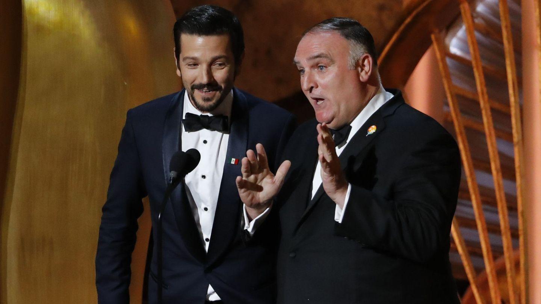 Diego Luna y José Andrés hablando de 'Roma'. (Reuters)