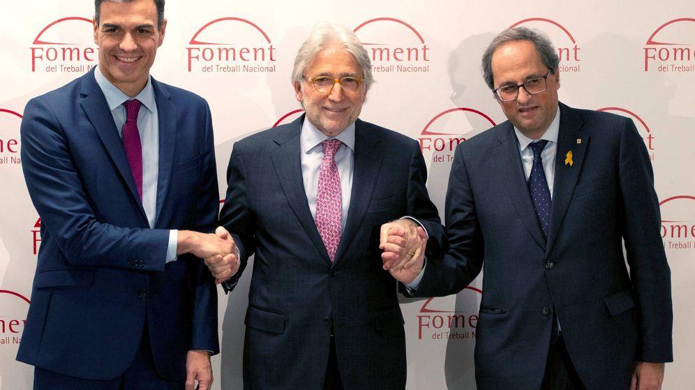 Foto: El presidente del Gobierno, Pedro Sánchez (i), el presidente de Foment, Josep Sánchez-Llibre y el presidente de la Generalitat de Cataluña, Quim Torra (d). (EFE)