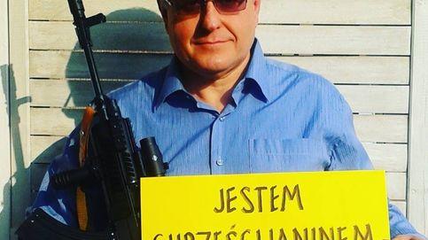 Polacos armados para defender su fe: Un cristiano no puede ser pacifista
