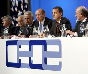 CEOE teme que la Ley de Economía Sostenible de Zapatero sea mera cosmética
