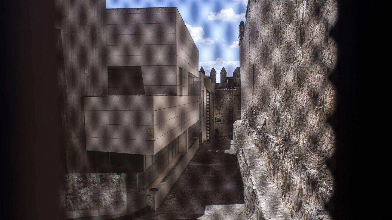 El museo moderno que se construyó dentro del castillo de Maqueda. (A. M. V.)