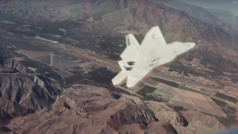 Un F-22 Raptor proyectado por el sistema ATARS (Red 6)