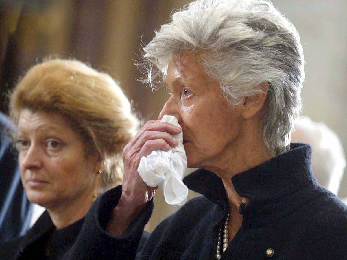 Foto: Margherita y Marella Agnelli, en el funeral de Giovanni Agnelli. (EFE)