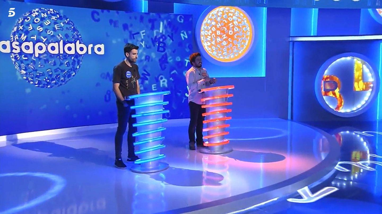 Rafa y Orestes, en 'Pasapalabra' de Telecinco. (Mediaset)