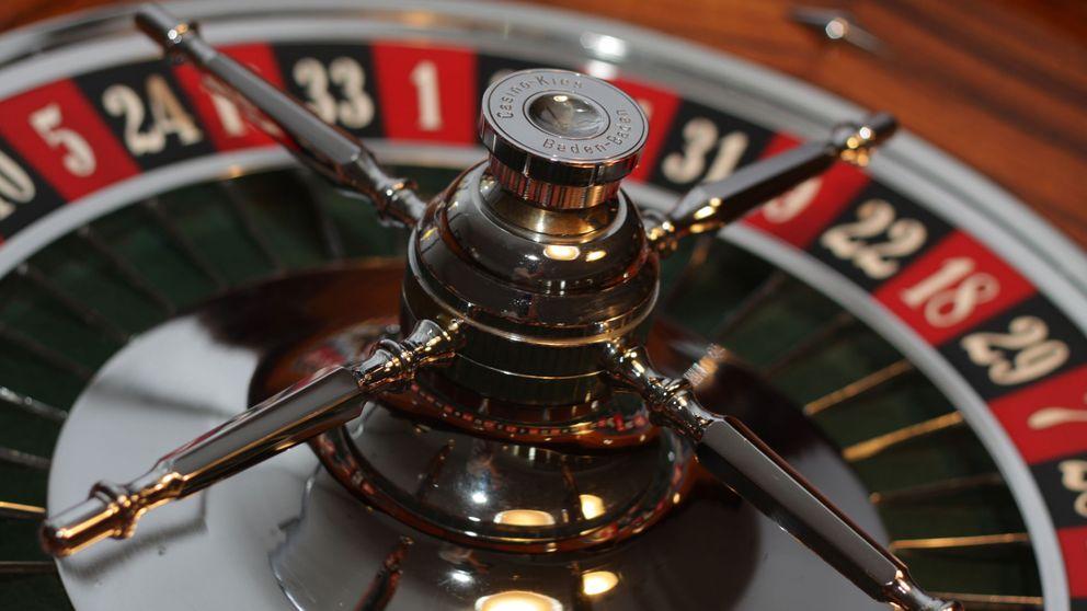 La pareja que inventó un 'wearable' en los sesenta para forrarse en los casinos