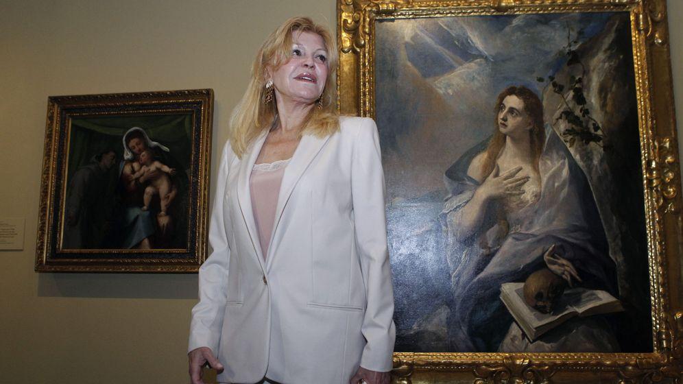 Foto: Carmen Thyssen, la viuda del barón Thyssen, posa ante el cuadro 'Magdalena penitente' de El Greco. (EFE)