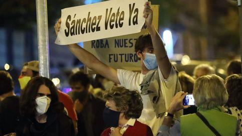 Protesta en Ferraz contra el estado de alarma en Madrid