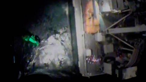 Rescatan a la tripulación de un barco en pleno temporal antes de hundirse