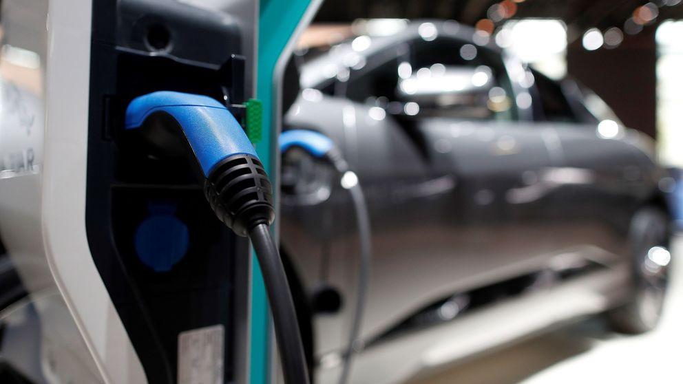 Gobierno y Podemos pactan ayudas al coche eléctrico con el impuesto al diésel