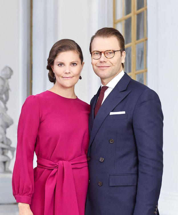Foto: La princesa Victoria y el príncipe Daniel en una imagen oficial (Gtres)