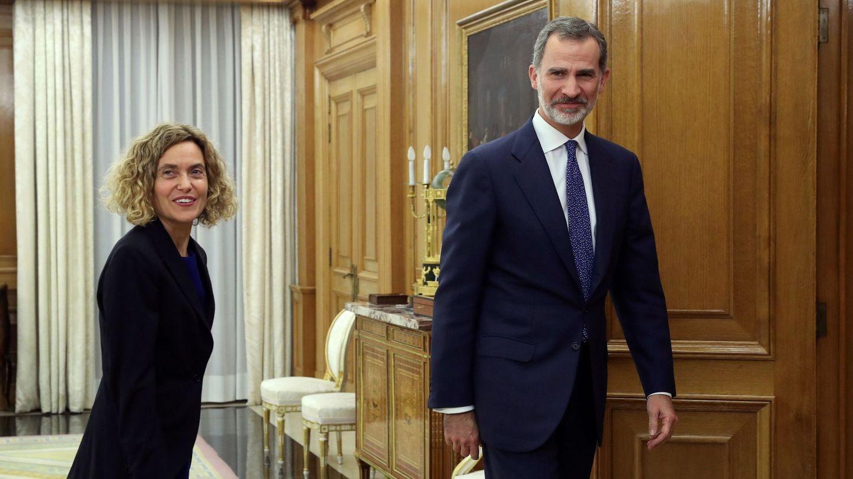 Felipe VI recibe en audiencia a la presidenta del Congreso, Meritxell Batet. (EFE)